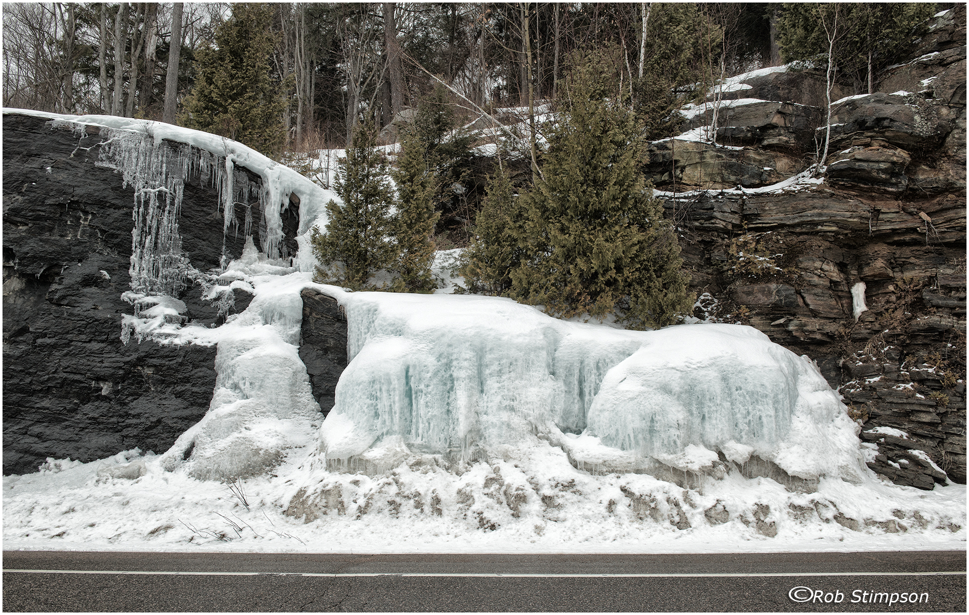 Algonquin Prov Park - icefall along the highway - march